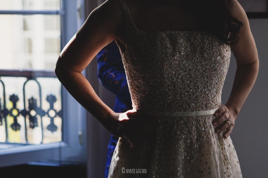 paris wedding photographer getting ready