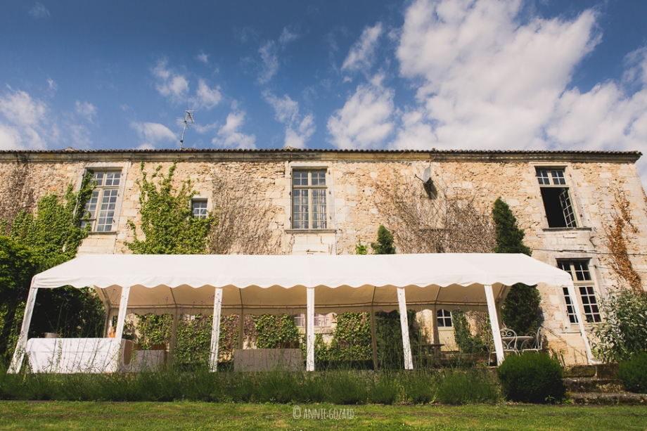 photographer chateau rigaud - lucy ben - destination wedding saint emilion - south of France - from london to bordeaux - modern and stylish